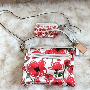 COACH 22440 poppy bag and wristlet!!